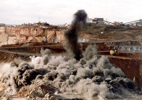 Explotación de carbón en el Cesar