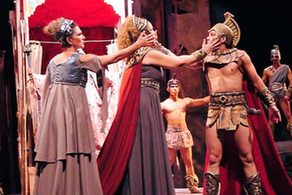 Representación teatral de Los Siete Contra Tebas.