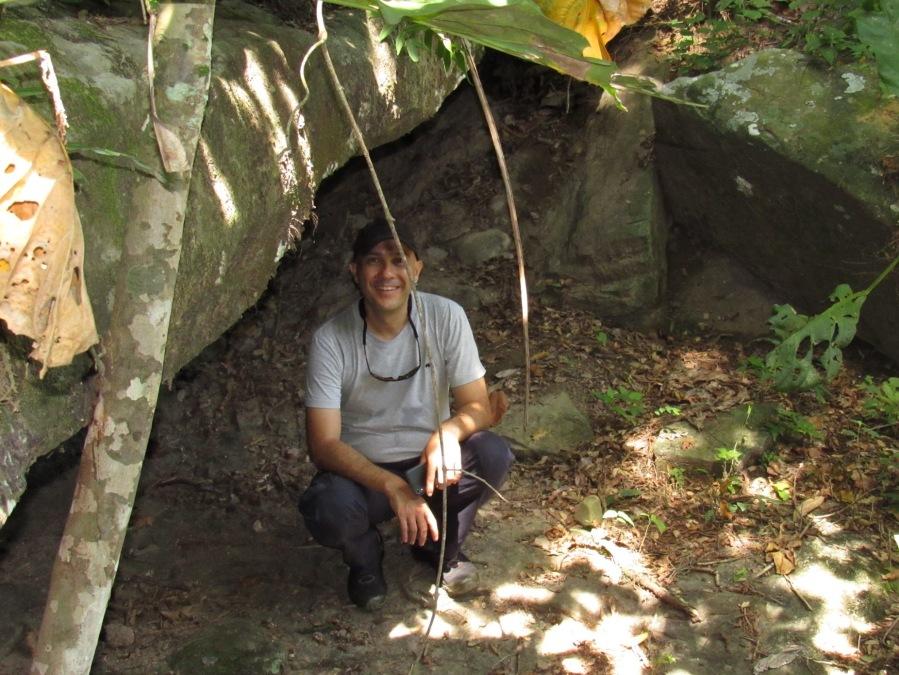 Profesor Erick Brenes, en su visita a la Reserva Natural Los Tananeos. Foto: Jose Luis Ropero.