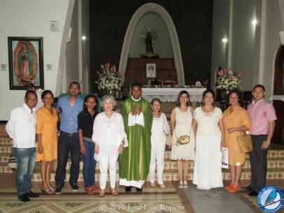 Cuerpo directivo de la Fundación Aviva, en el centro Dra. Alba Luz Luque y Pbro. Carlos Imbrecht. Foto: Jose Luis Ropero.