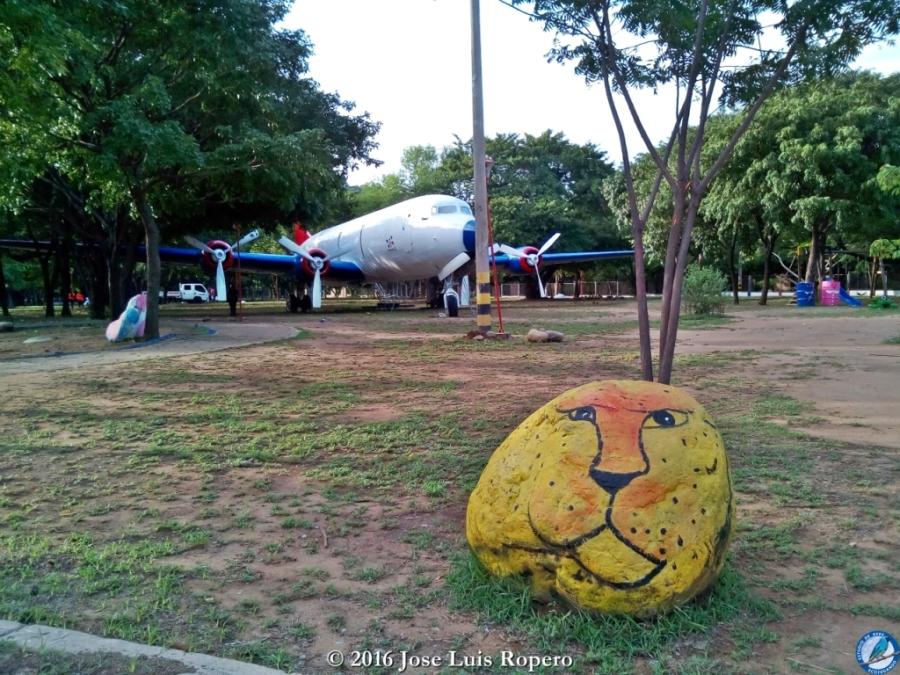 El león, guardián del Parque del Helado. Foto: Jose Luis Ropero.