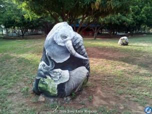 El elefante africano con sus crías.