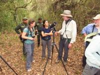 Steve Hilty y Katty Ropero (centro), Directora de Los Tananeos. Foto: Jose Luis Ropero.