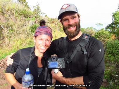 Timo y Lindsay, felices luego de lograr la foto del chamicero del Perijá.