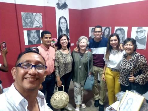 Visitantes exposicion de Jasi calderon