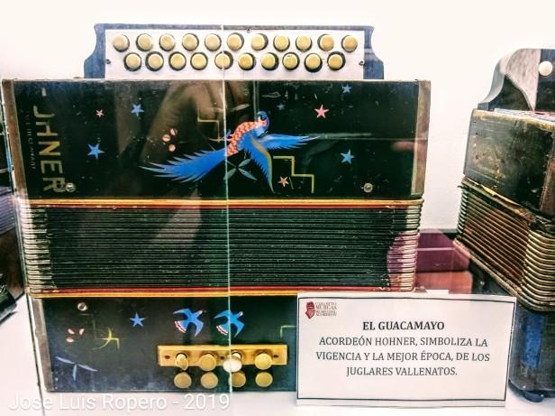 Acordeón guacamayo, representa la edad dorada del vallenato.